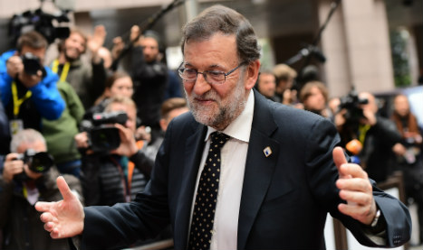 Spain faces crucial week as conservatives re-take power
