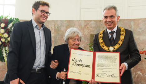 Holocaust survivor 1st woman to win top Frankfurt award