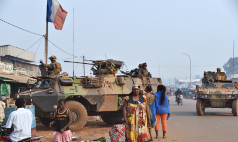 Central African militias gather as French troops leave