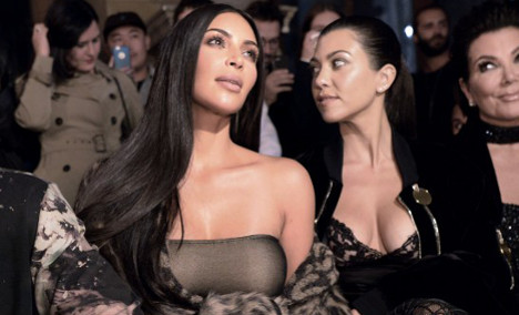 Kim Kardashian robbed of €10 million in armed Paris raid