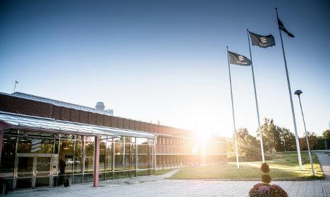 Ericsson earnings miss target as sales slump