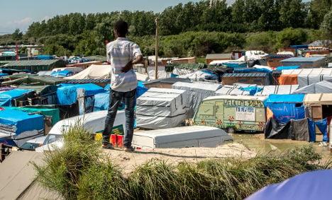 Charities in last-ditch bid to block razing of Calais jungle