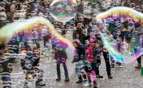 Protest bubbles up against bizarre Cologne street art ban