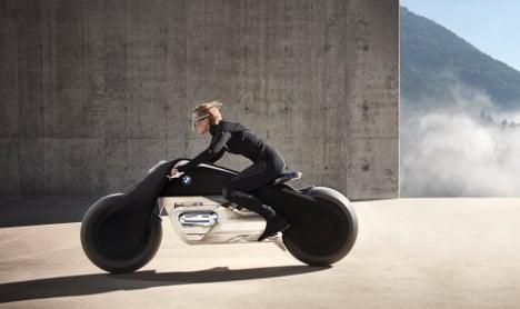 BMW debuts self-balancing motorcycle of the future