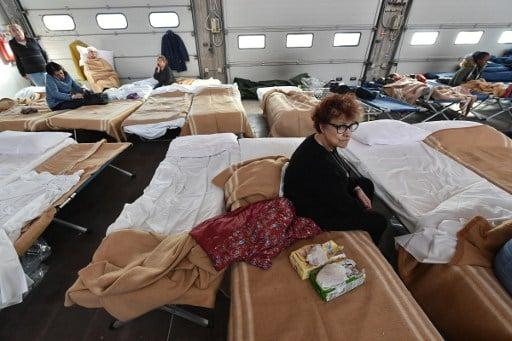 Italy quake survivors head to the coast