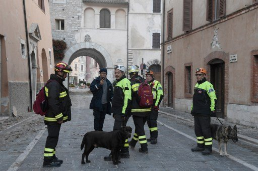 Italy earthquake causes thousands to flee homes