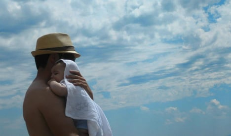 Spain approves equal parental leave for fathers