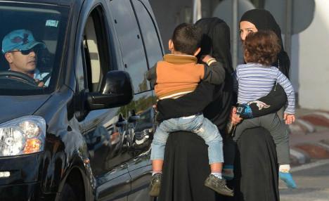 Paris police crack down on fake Syrian refugee beggars