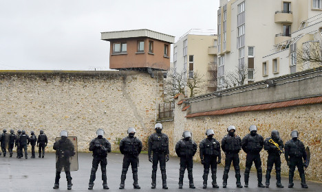 France to build 33 new prisons across the country