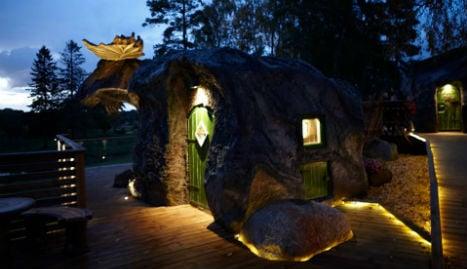Swedish park unveils Europe's first Elk-hut