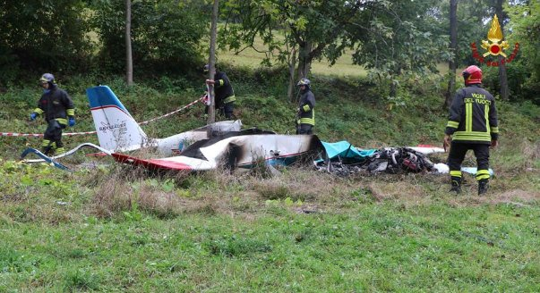Light aircraft crashes and catches fire in northern Italy, killing one