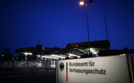 Berlin plays down alarm after 'Islamist' found in spy service