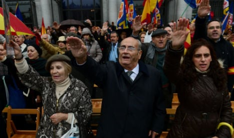 Fascists salute Franco on 41st anniversary of his death