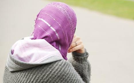 Syrian teen kicked off Berlin tram 'for wearing headscarf'