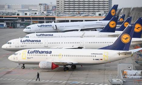 Lufthansa slashes 900 flights as pilots' strike drags on