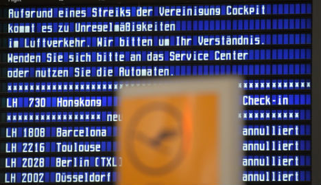 Lufthansa offers pilots new wage deal to end strike