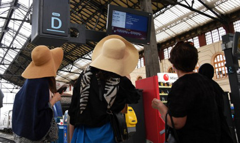 French TGV passengers to be given refunds for ALL delays