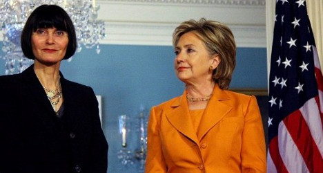 'No conflict of interests' over Clinton donation: Bern