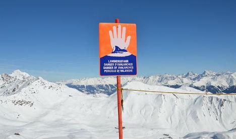 Dutch and British skiers die in Tyrol avalanche