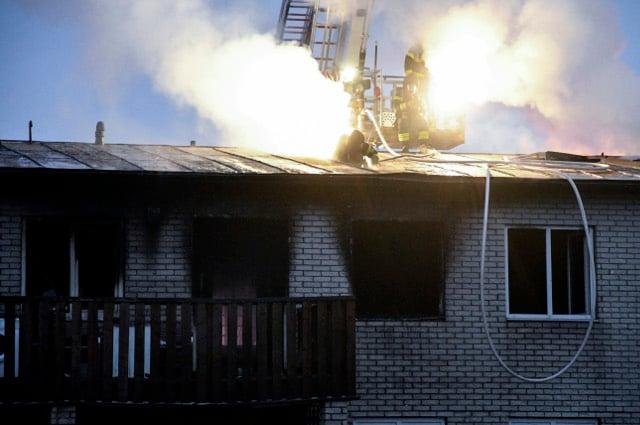Girl jumps to escape burning building in Sweden