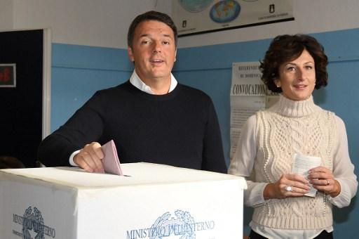 Italy's Renzi 'to make statement around midnight'