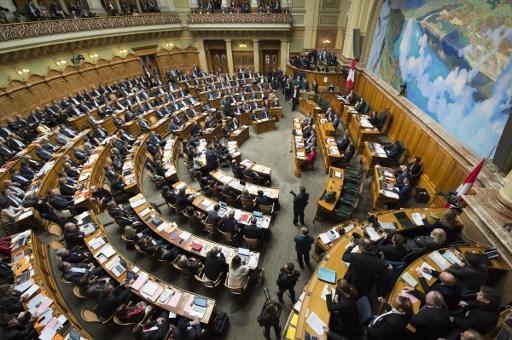 Swiss parliament reaches agreement on EU immigration