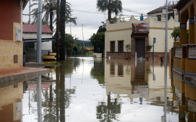 Emergency measures in place as downpour makes Spanish rivers overflow