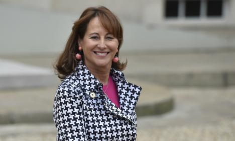 French minister defends Castro's rights record