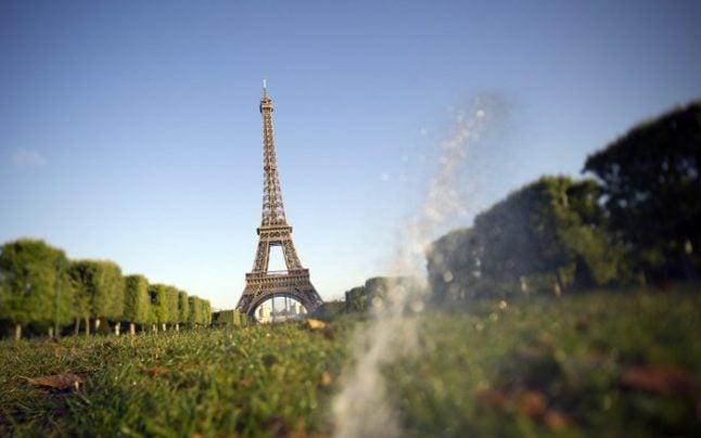 Paris closes parks and gardens as city declares war on rats