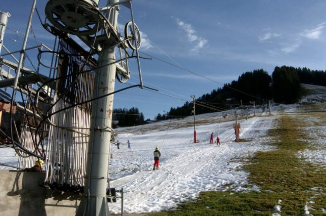 French Alps left green and grassy as snow shies away