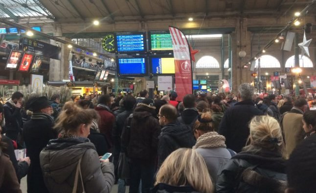 Paris suffers travel chaos after Gare du Nord hit by power cut