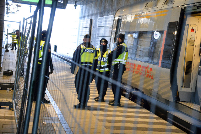 Sweden and Denmark want new border control extension