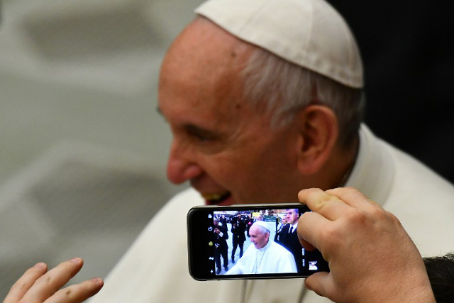 Supporters of 'gay culture' can't become priests: Pope