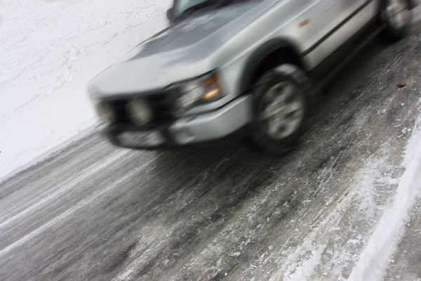 Black ice warning issued for Austria's roads