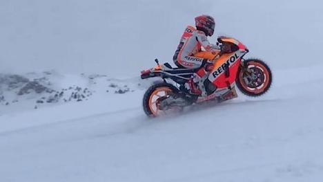 MotoGP ace rides bike up Kitzbühel slopes