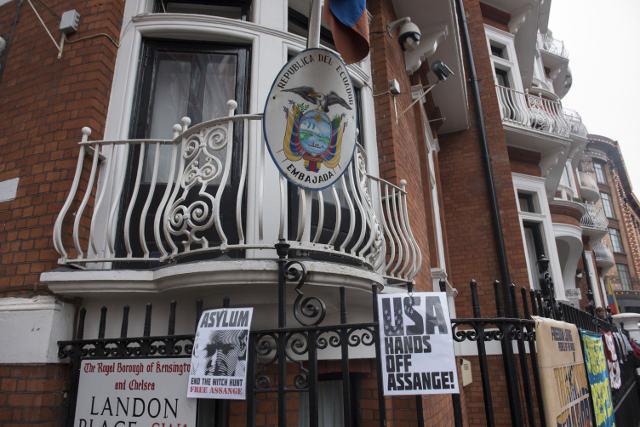 Ecuador sends report on Assange questioning to Sweden