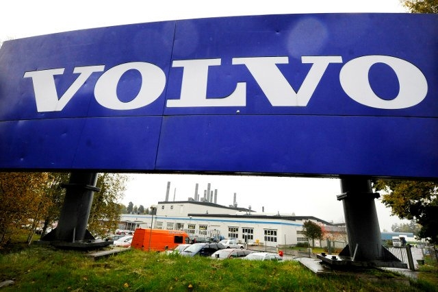 Volvo criticized for West Bank armoured buses