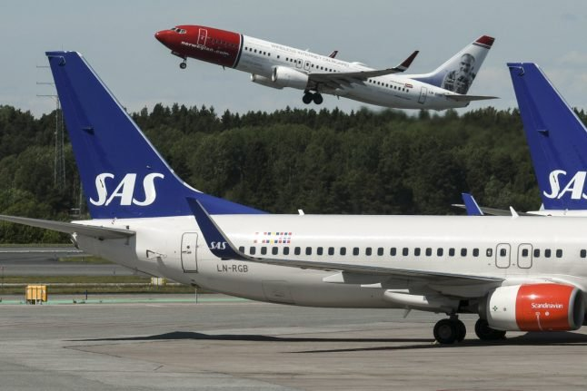 SAS, Norwegian left in confusion by travel ban ruling