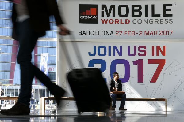 Phone firms turn to artificial intelligence at Barcelona's Mobile World Congress