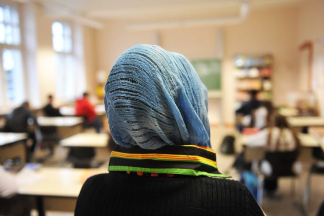 Muslim teacher wins €9,000 in Berlin discrimination case