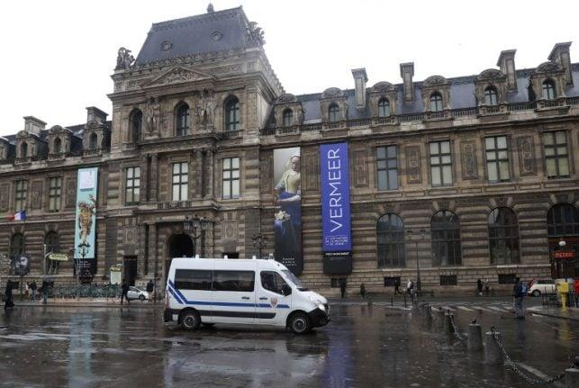 Paris: Louvre machete attacker denies Isis connection