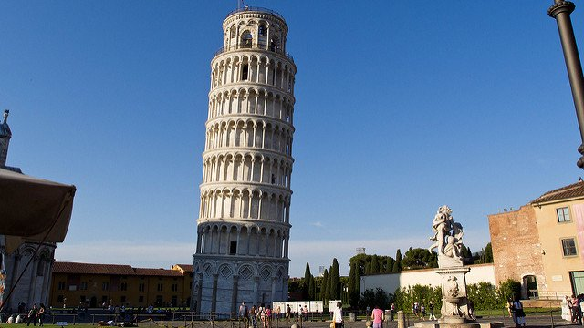 Pisa plans to add a huge ferris wheel next to its tower