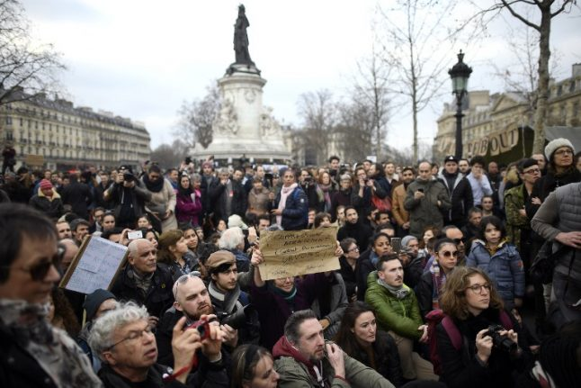 Protests in France over 'fake jobs' and 'corrupt' politicians