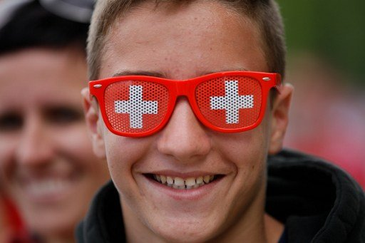 Swiss MP: foreigners 'should renounce citizenship to become Swiss'