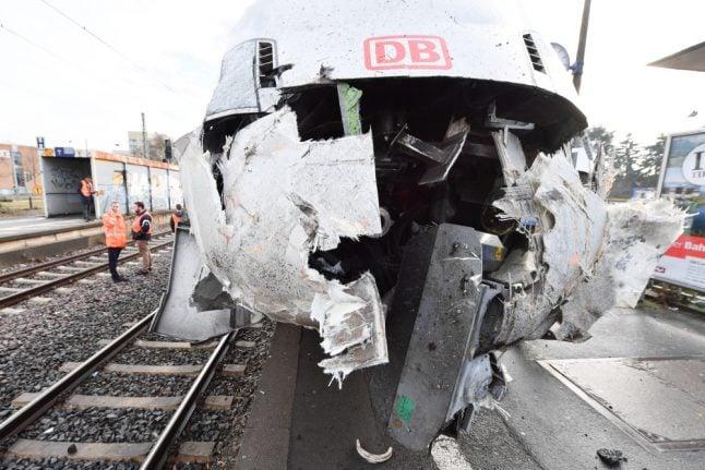 IN PICS: Empty high-speed train in Frankfurt derails in dramatic crash