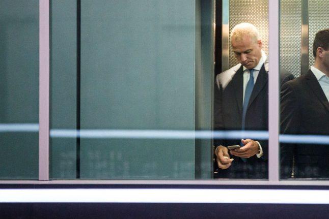 Deutsche Börse boss faces new insider trading questions