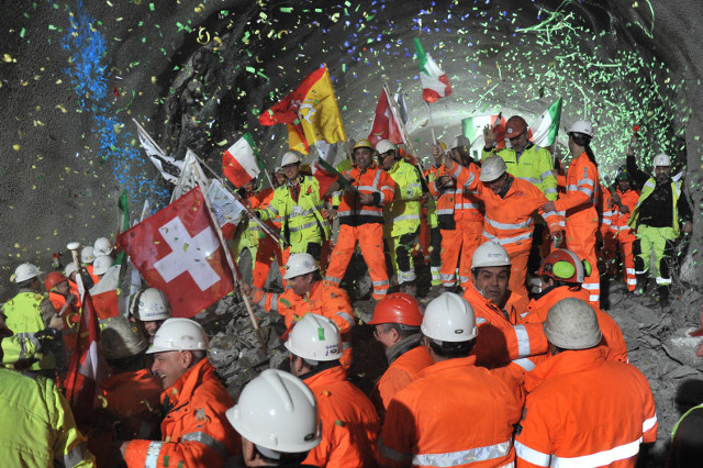 Ceneri rail tunnel moves closer to completing new alpine rail link