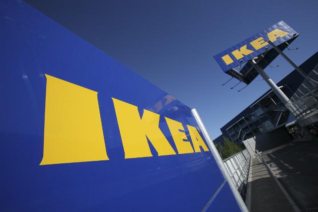 Ikea US boss calls Trump travel ban 'troubling'