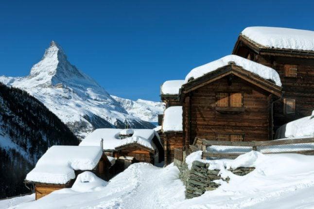 Brit sells 'Swiss mountain air' at $167 per litre bottle