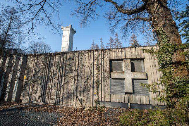 Crematorium investigated for including extra body parts in urns